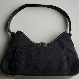 Bags - Black medium size purse